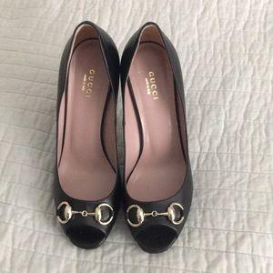 Gucci authentic horsebit peep toe pumps sz 7.5